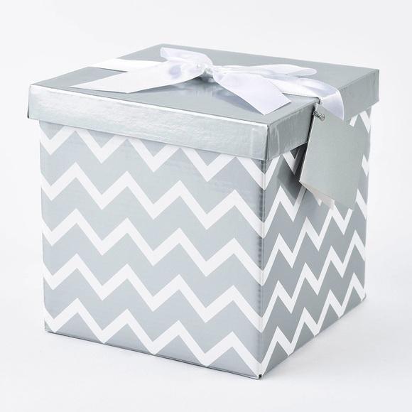 Other - $50 Beauty Mistery Box!!